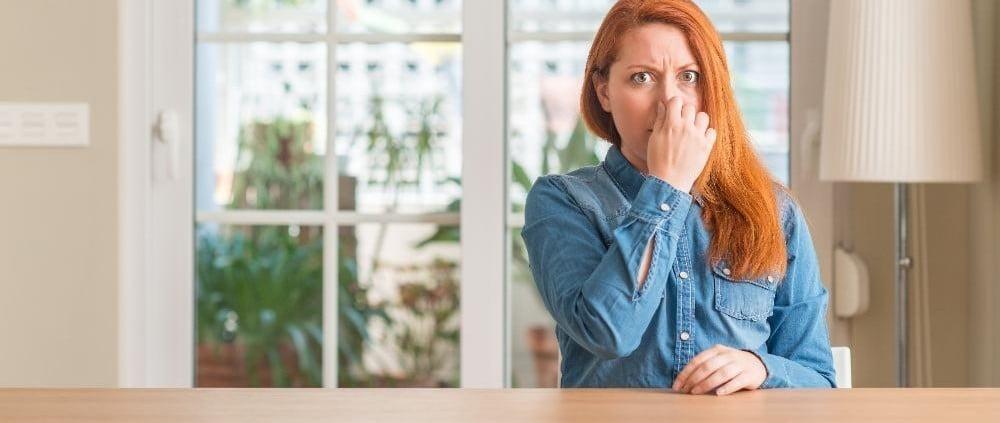 Wietlucht, rioollucht of koollucht in huis