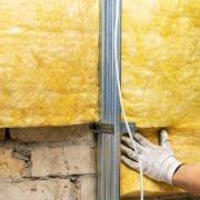 muur isoleren met glaswol
